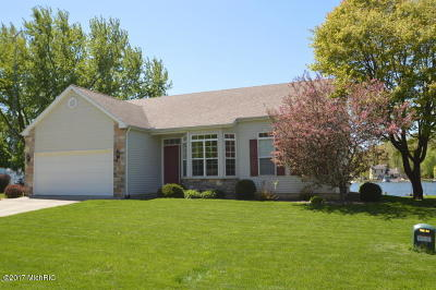 Cassopolis MI Single Family Home For Sale: $424,900