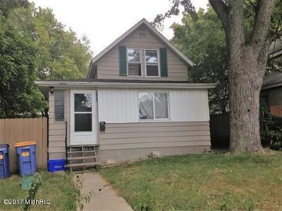 Single Family Home For Sale: 127 Barnett Street NE