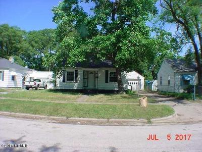 Muskegon Single Family Home For Sale: 2140 Superior Street