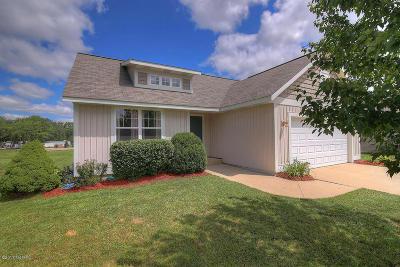 Hamilton Single Family Home For Sale: 4725 Woodridge Court