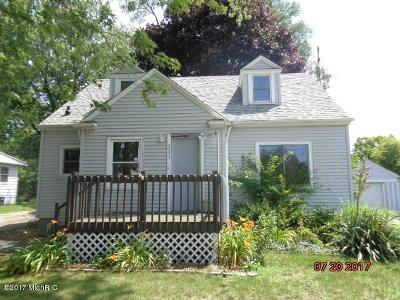 St. Joseph Single Family Home For Sale: 2253 S Cleveland