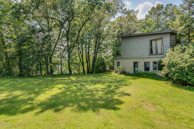 Cass County Single Family Home For Sale: 18065 Day Lake Court
