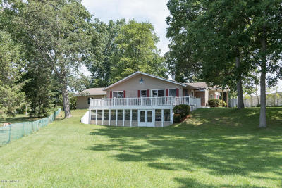 St. Joseph County Single Family Home For Sale: 57454 Gearharts Landing Road