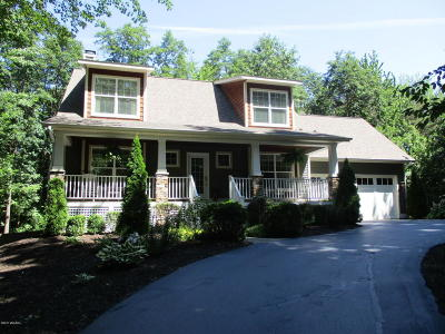 Fennville Single Family Home For Sale: 6851 Fallen Leaf Trail