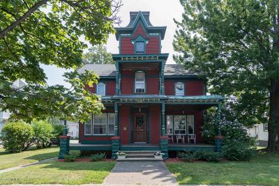 St. Joseph Single Family Home For Sale: 909 Main Street