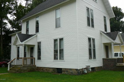 Hillsdale MI Single Family Home For Sale: $99,000