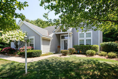 Van Buren County Single Family Home For Sale: 556 North Shore Drive #23
