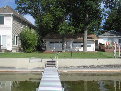 Branch County, Hillsdale County Single Family Home For Sale: 653 Pearl Beach Drive