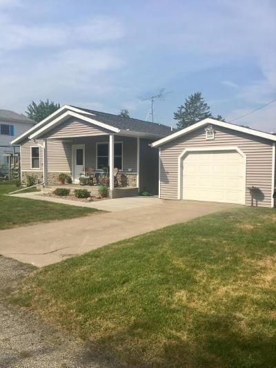 Lawton Single Family Home For Sale: 136 S Railroad Avenue