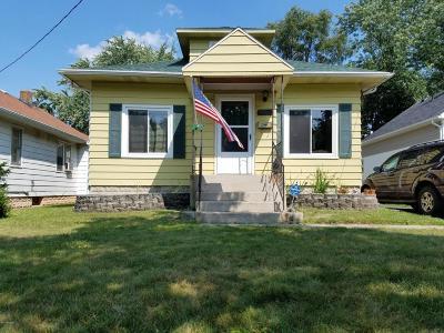 Single Family Home For Sale: 1260 Diamond NE