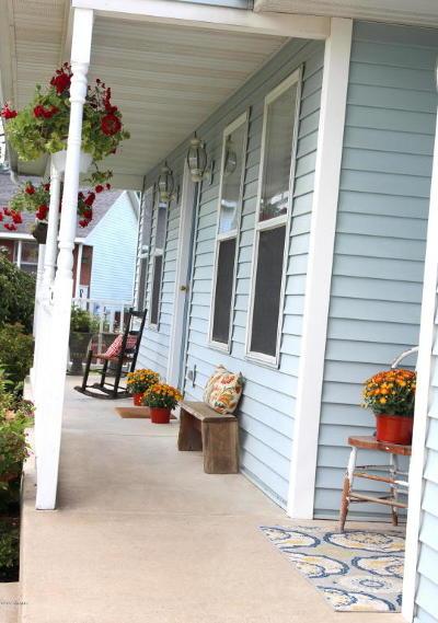 Byron Center Single Family Home For Sale: 7514 Melinda Court SE