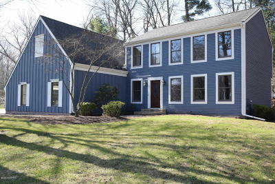 Spring Lake Single Family Home For Sale: 16189 Baird Court