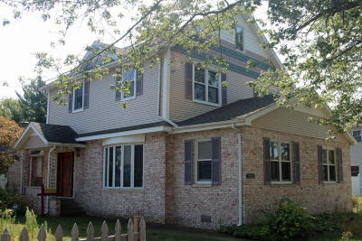 St. Joseph Single Family Home For Sale: 1613 Lakeview Avenue