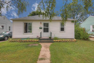 Single Family Home For Sale: 3355 Buchanan Avenue SW