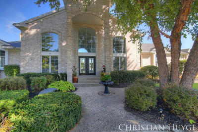 Single Family Home For Sale: 7647 Hidden Lake Drive