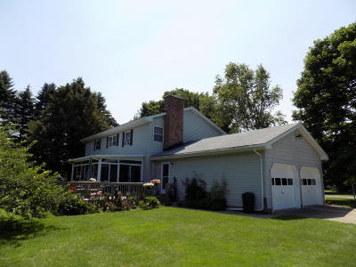 Manistee County Single Family Home For Sale: 1581 Arbor Lane