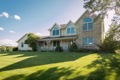 Plainwell Single Family Home For Sale: 330 Hyder Circle