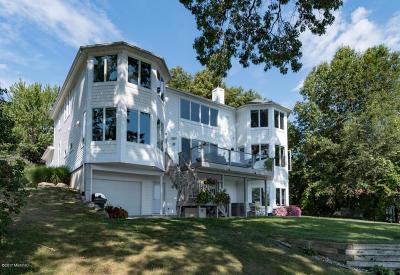 Kalamazoo Single Family Home For Sale: 420 W Crooked Lake Drive