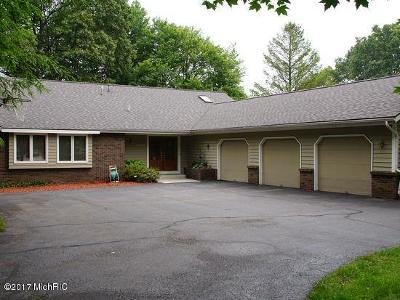 Single Family Home For Sale: 1492 Bayview Drive