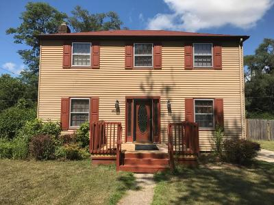 Benton Harbor Single Family Home For Sale: 203 Orchard Lane