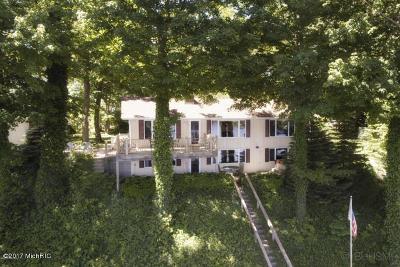Van Buren County Single Family Home For Sale: 58801 Territorial Road