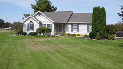 Edwardsburg Single Family Home For Sale: 27910 Redfield