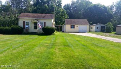 Edmore Single Family Home For Sale: 518 E Forrest Street