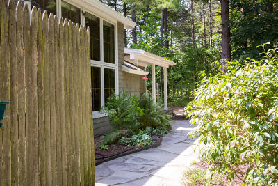 Harbert, Lakeside, New Buffalo, Sawyer, Three Oaks, Union Pier Single Family Home For Sale: 7270 Home Avenue
