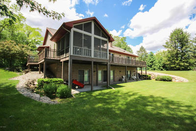 Three Rivers Single Family Home For Sale: 19595 Lakeshore Drive