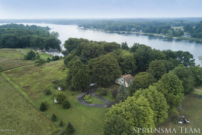 St. Joseph County Single Family Home For Sale: 59485 County Line Road