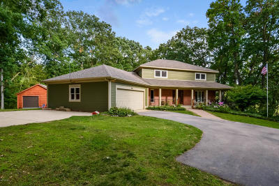 Caledonia Single Family Home For Sale: 7914 Burrstone Drive SE
