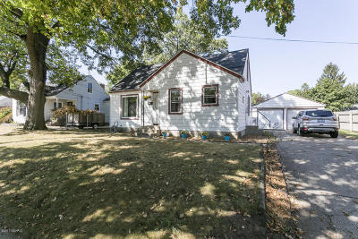 Single Family Home For Sale: 853 Kentfield Street SW