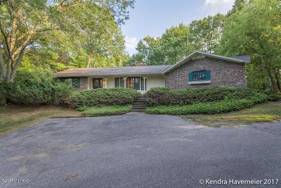 Single Family Home For Sale: 5388 Hall Street SE