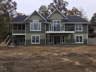 St. Joseph County Single Family Home For Sale: 62240 Hunters Pointe Drive