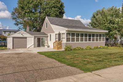 Cedar Springs Single Family Home For Sale: 369 E Muskegon