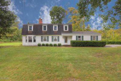Holland Single Family Home For Sale: 88 Sunrise Drive