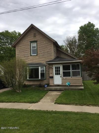 Dowagiac Single Family Home For Sale: 320 Oak Street
