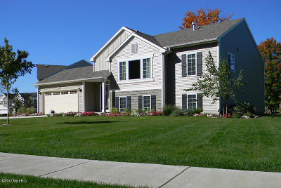 South Haven Single Family Home For Sale: 72893 Faye Court