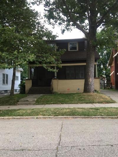 Single Family Home For Sale: 417 Elmwood Street NE