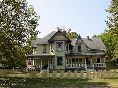 Lawton Single Family Home For Sale: 223 E Third Street