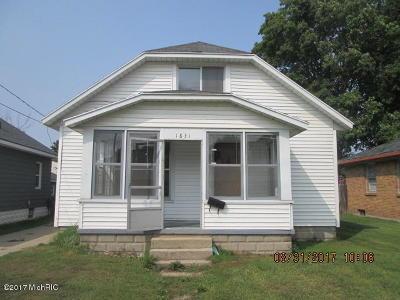 Single Family Home For Sale: 1831 Burlingame Avenue SW