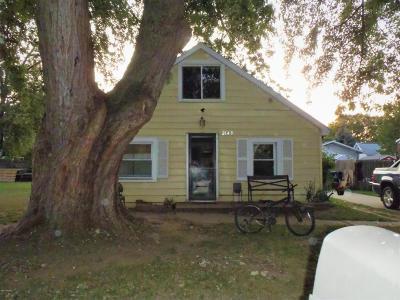 Single Family Home For Sale: 2649 Noel Avenue SW
