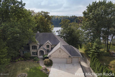 Wayland Single Family Home For Sale: 4678 Leighton Lakes Drive