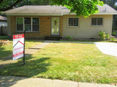 Single Family Home For Sale: 1446 Royal Oak Street SW