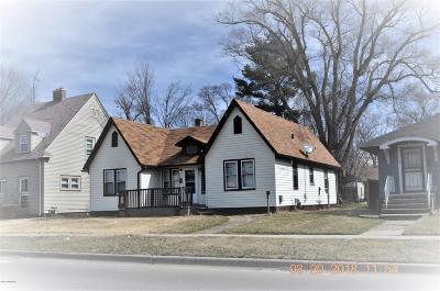 Benton Harbor Single Family Home For Sale: 831 Colfax