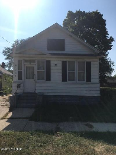 Muskegon Single Family Home For Sale: 1323 Pine Street