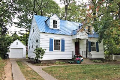 Muskegon Single Family Home For Sale: 2460 Westwood Street