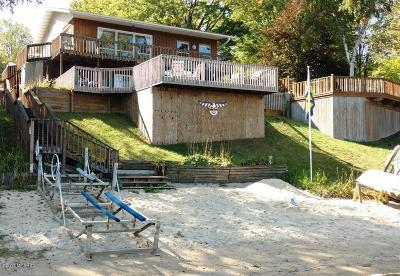 Leroy Single Family Home For Sale: 340 Eastland Drive