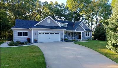 St. Joseph County Single Family Home For Sale: 23991 Butternut Drive