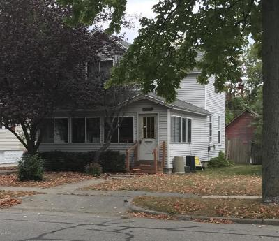 Grand Haven Single Family Home For Sale: 1229 Washington Avenue
